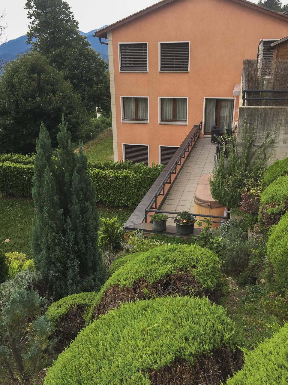 Appartamento 3.5 locali vista lago con ampia terrazza e jacuzzi esterna